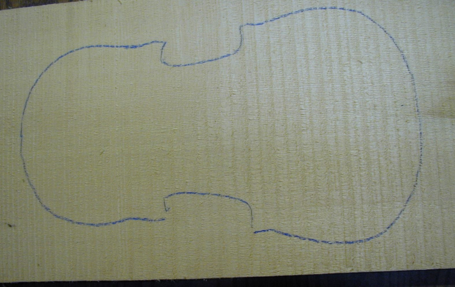 3-A one piece violin tonewood